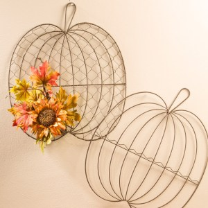 Wire Wall Pumpkins