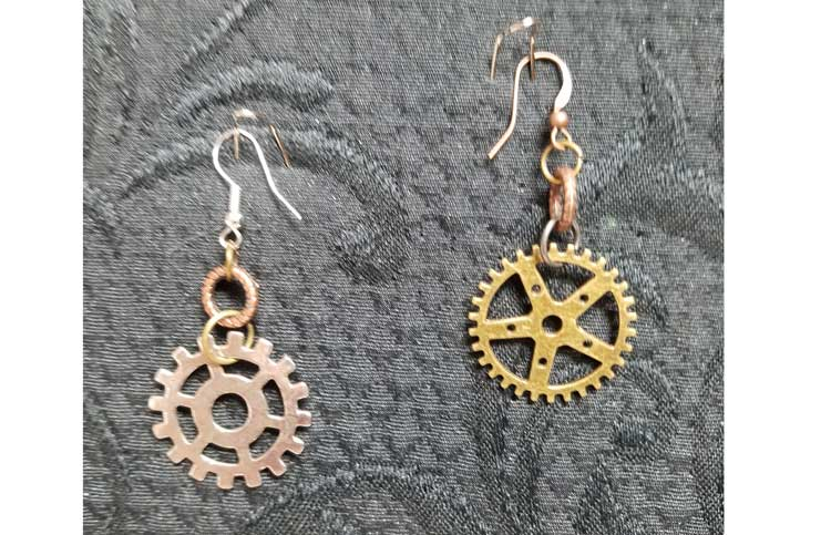 Steampunk Gear Earrings @ Kennewick Location   Kennewick   Washington   United States