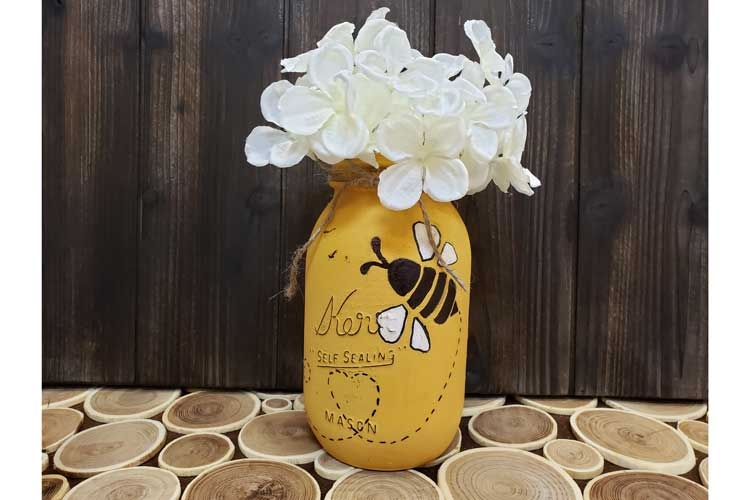 BEE Happy: Busy Bee Mason Jar @ Meridian Location | Meridian | Idaho | United States