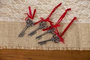 santa metal key