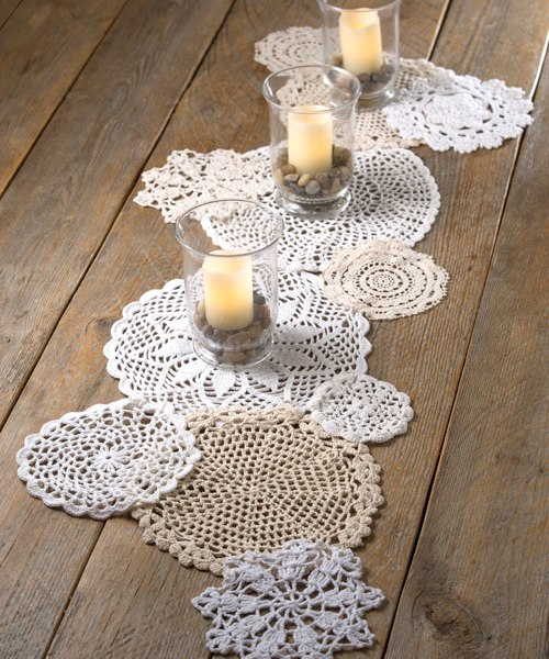 Make a table runner with doilies