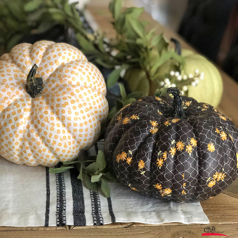 Make these fabric fall pumpkins