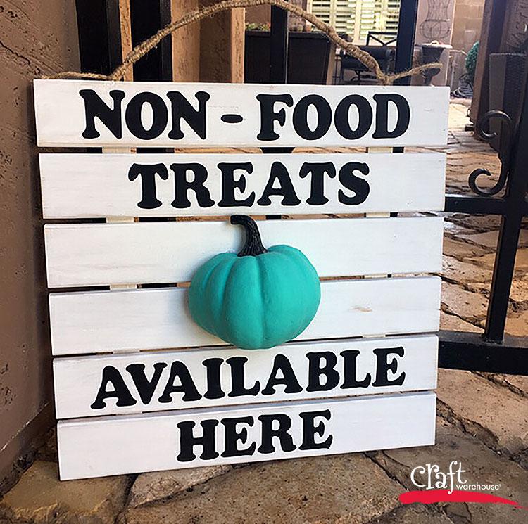 Make a teak Pumpkin Slat Sign for Halloween at Craft Warehouse