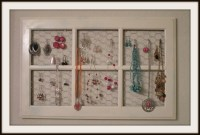 DIY: Jewelry holder! This is a great idea! This is made ...