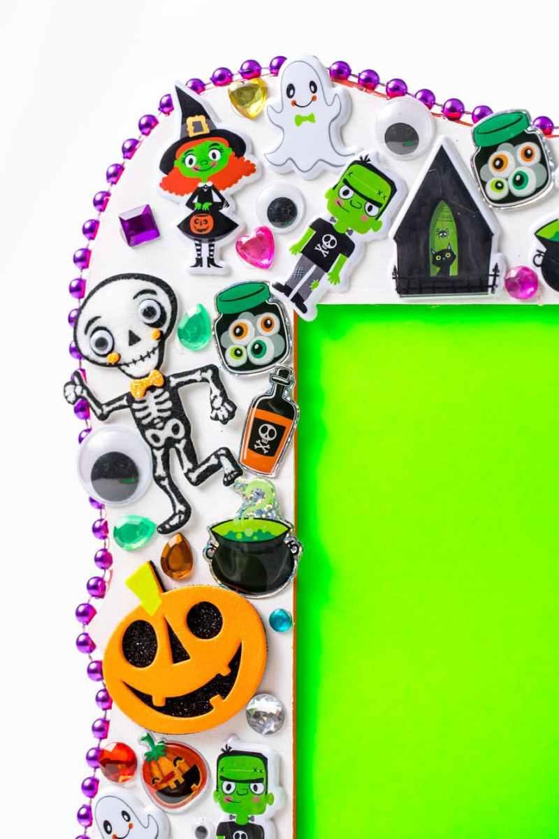 Halloween sticker frame