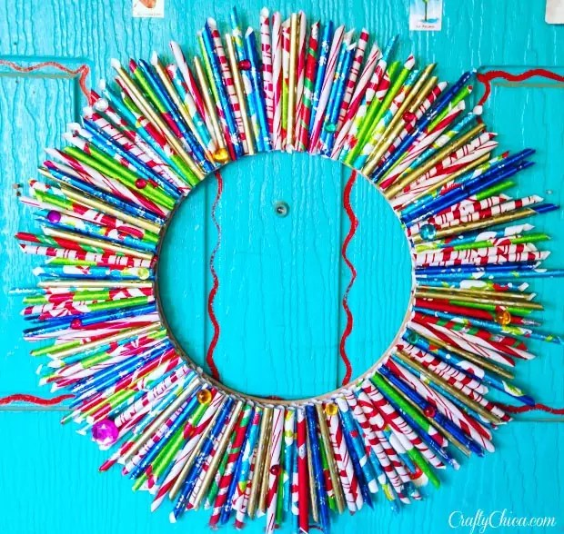 wrappingpaperwreath