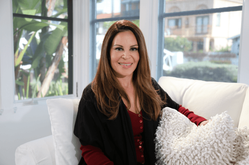 nely-galan