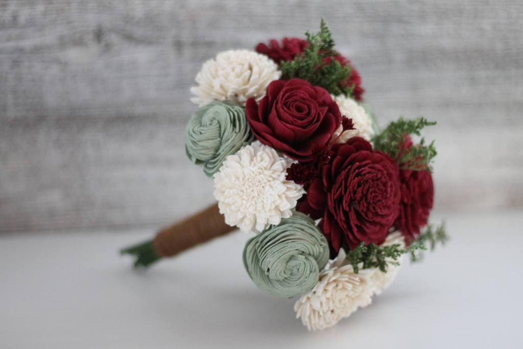 Classic Holiday Wooden Flower Bouquet