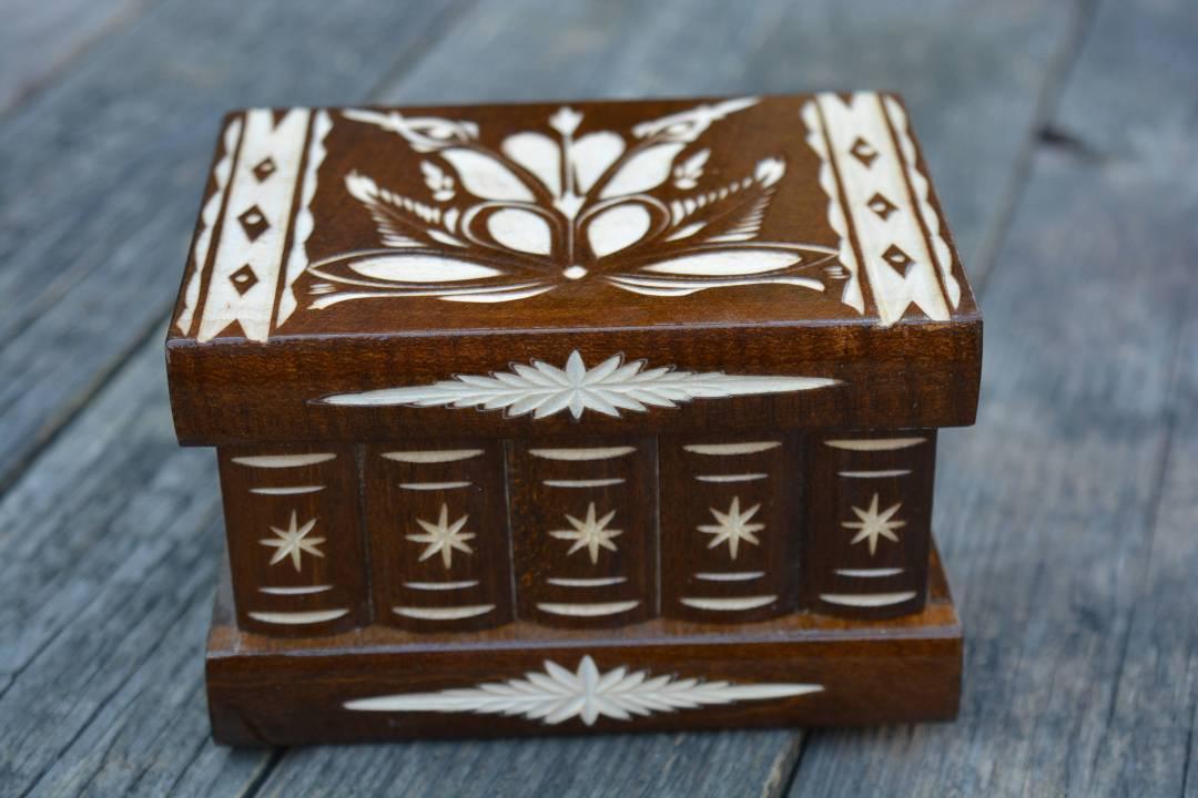 Small PUZZLE box