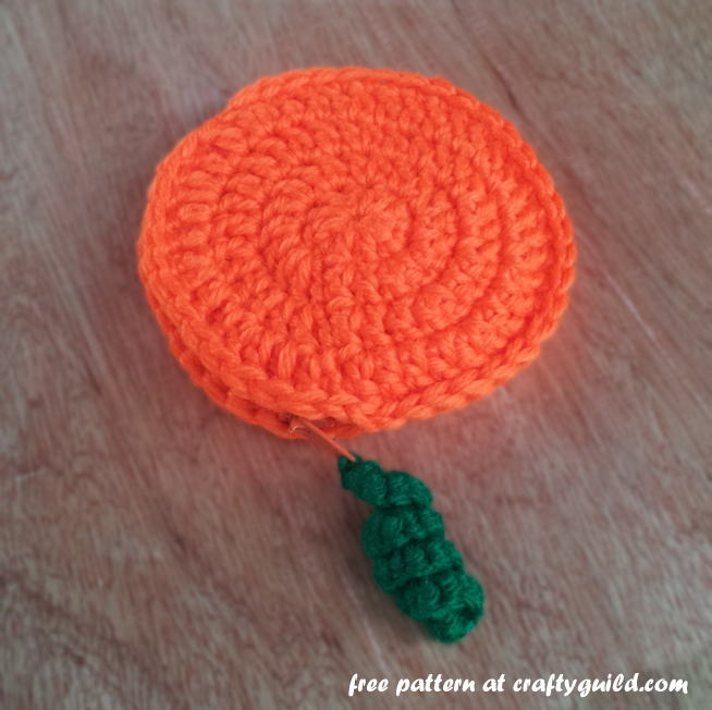 pumpkin inspired coin purse- free crochet pattern