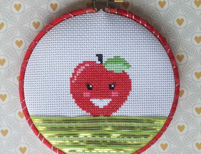 Apple Cross Stitch Pattern