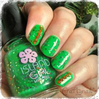 green and red nails | Craftynail
