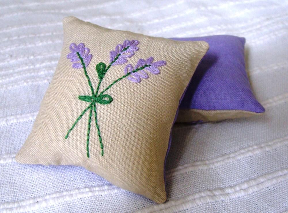 Lavender sachets (2/2)