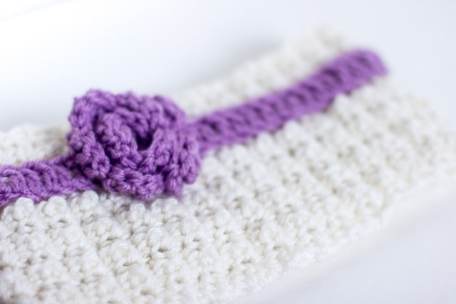 Headband With Rosette - Crochet Free Pattern