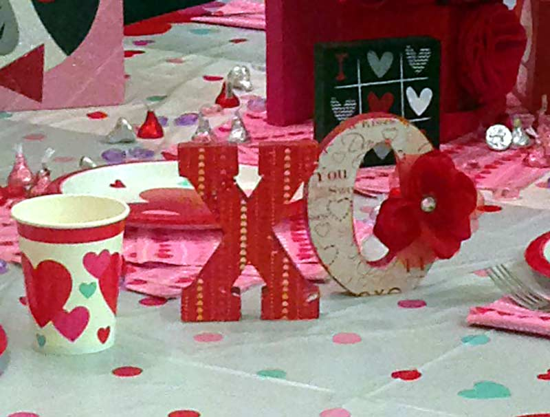 Valentines Day Wooden Letters XO