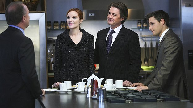 Marcia Cross as Bree, Kyle MacLachlan as Orson, and Shawn Pyfrom as Andrew