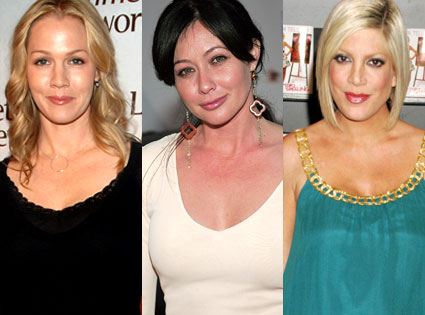 Jennie Garth as Kelly Taylor, Shannen Doherty as Brenda Walsh, and Tori Spelling as Donna Martin Silver