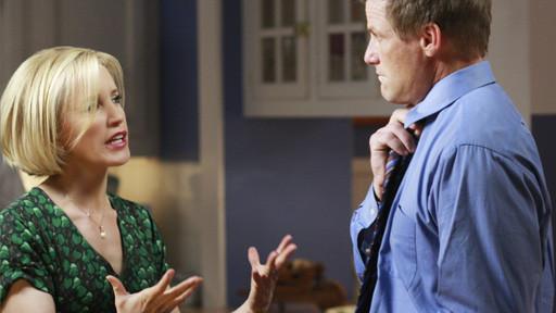 Felicity Huffman as Lynette and Doug Savant as Tom