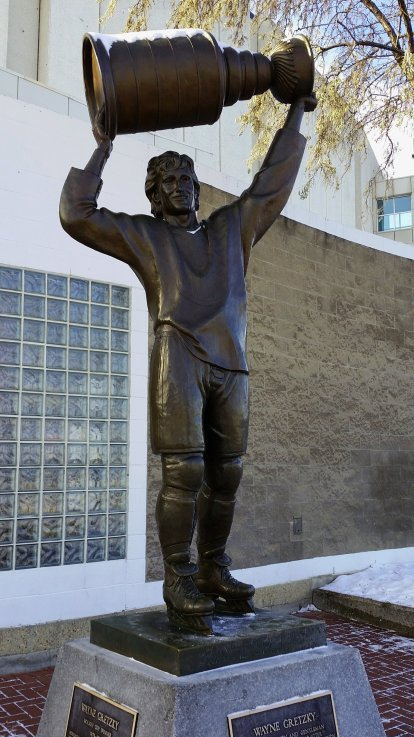 gretzky-statue-edmonton