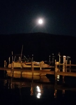 lake-george-full-moon