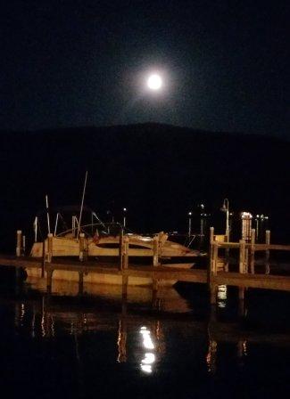 lake-george-full-moon