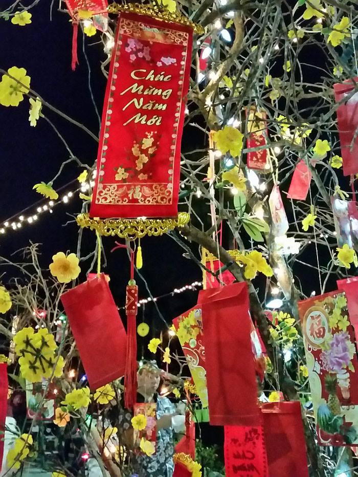 lunar-new-year-tree-fran