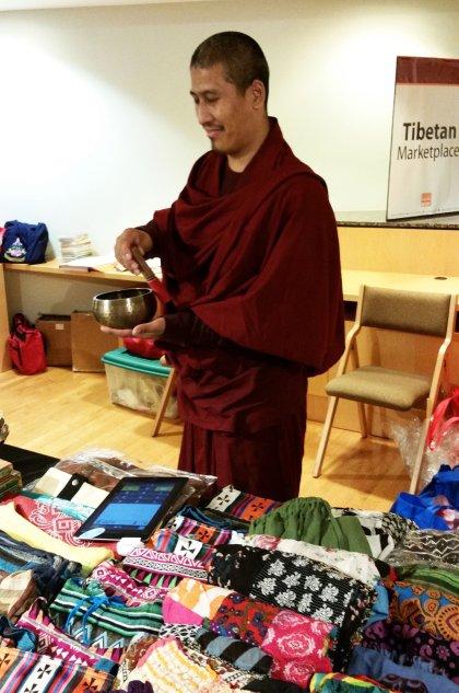 monks-tibetan-market-bowl