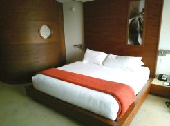 Guest rooms at the Costa d'Este Resort have the field of a cruise ship cabin. (Craig Davis/Craigslegztravels.com)