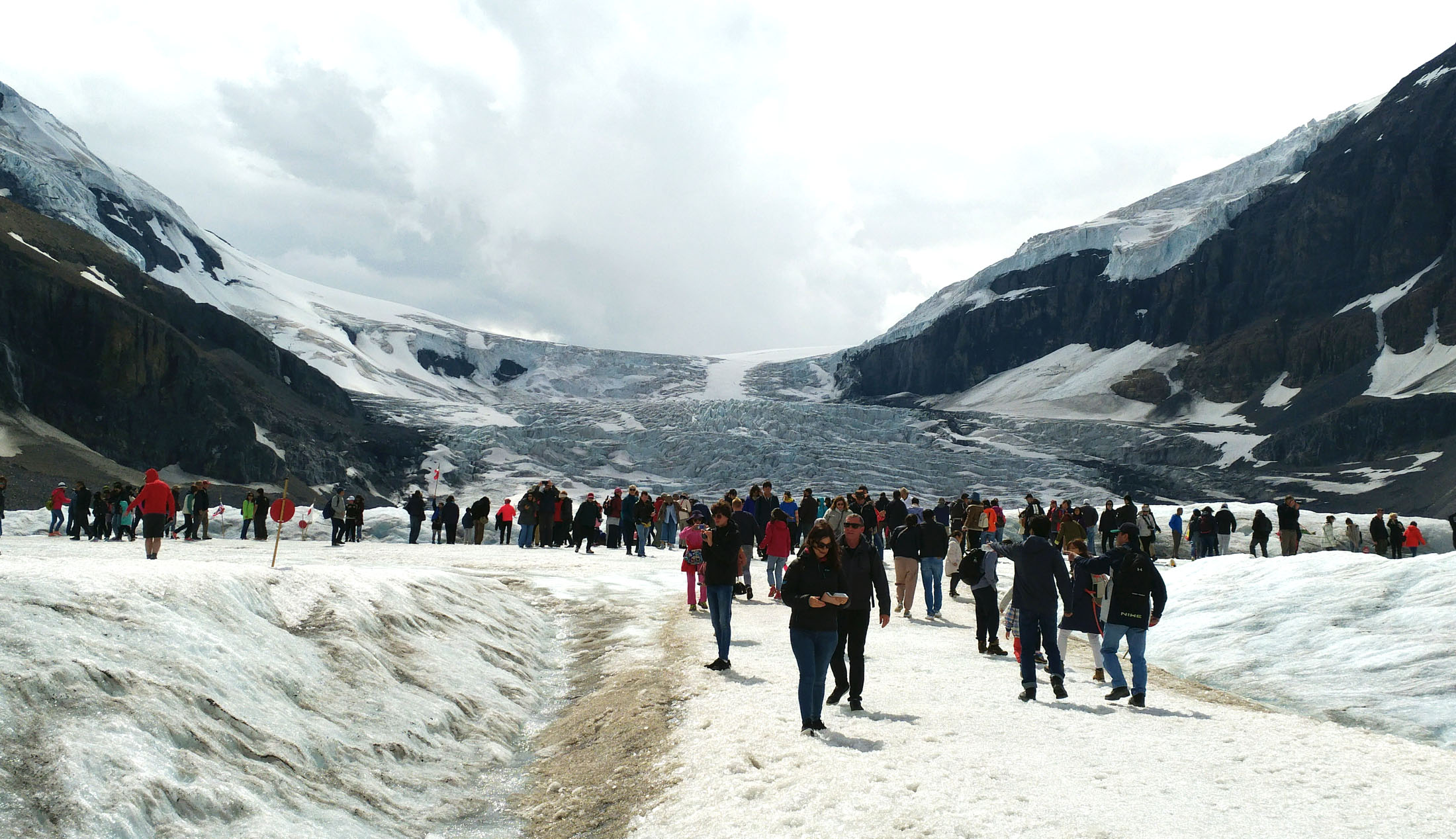 More than 800,000 tourists visit Athabasca Glacier each year. It can get crowded at the main viewing stop. (Craig Davis/craigslegztravels.com)