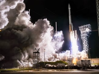 The Atlas V 411 lifts off carrying the Solar Orbiter on a mission to the sun. (Glenn Davis/Glenndavisphotography.com)