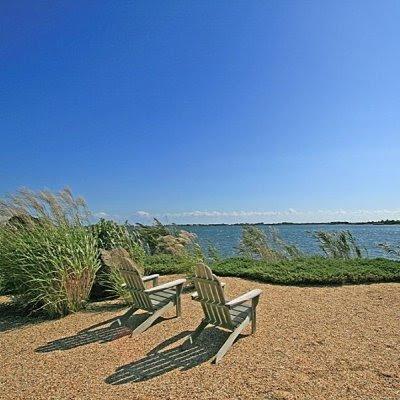 Adirondack-chairs-Hamptons
