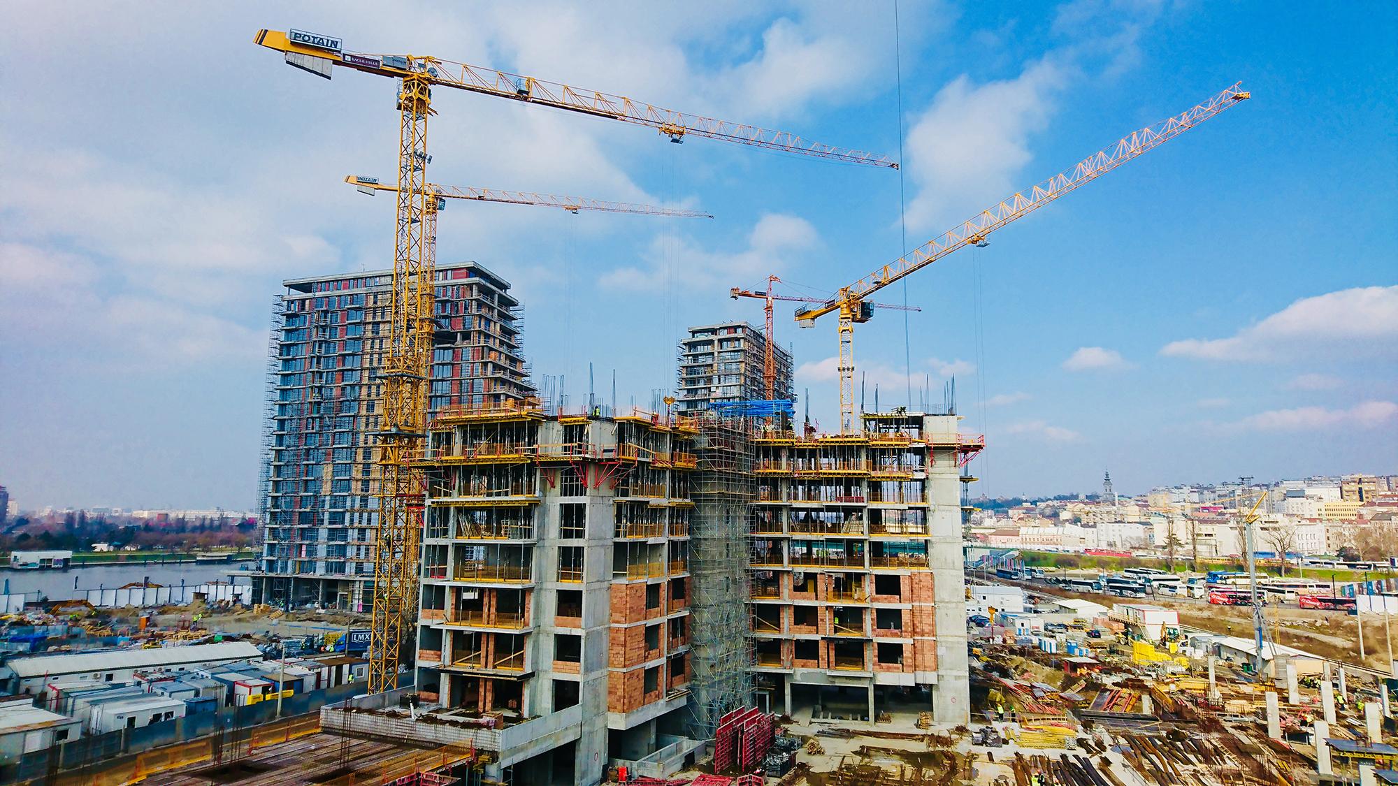 potain tower cranes help