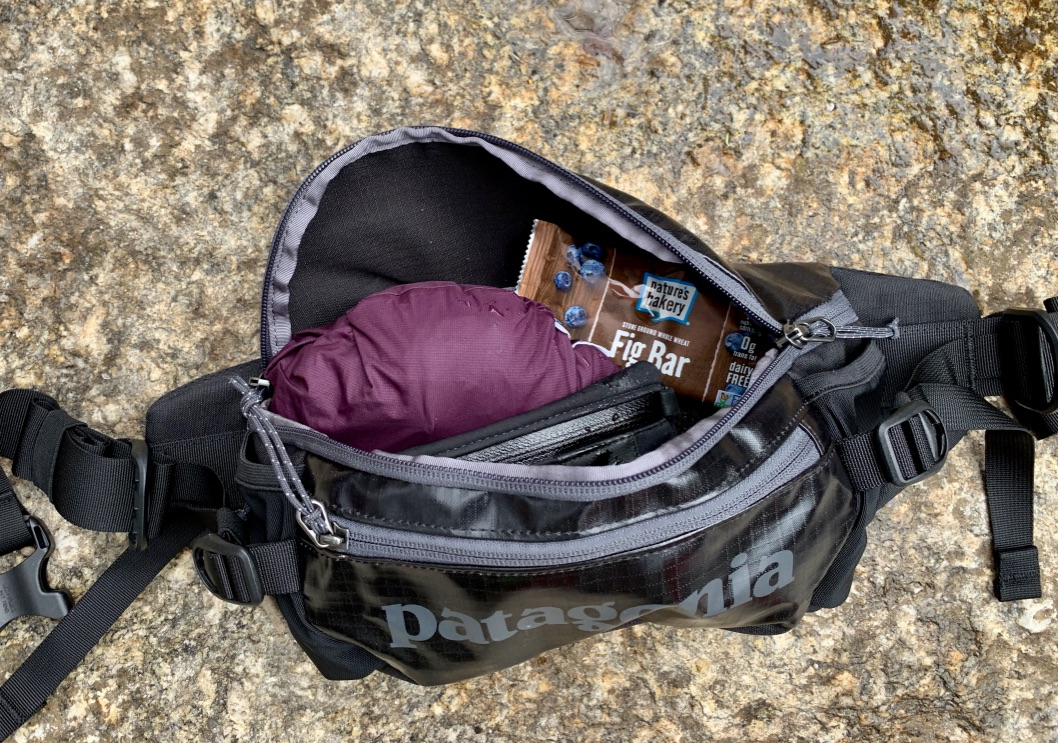c7f7f12a3d2 Patagonia Black Hole Waist Pack Review- The Slick One -