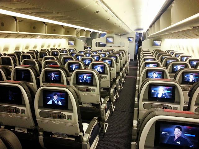 Coach 777-300ER