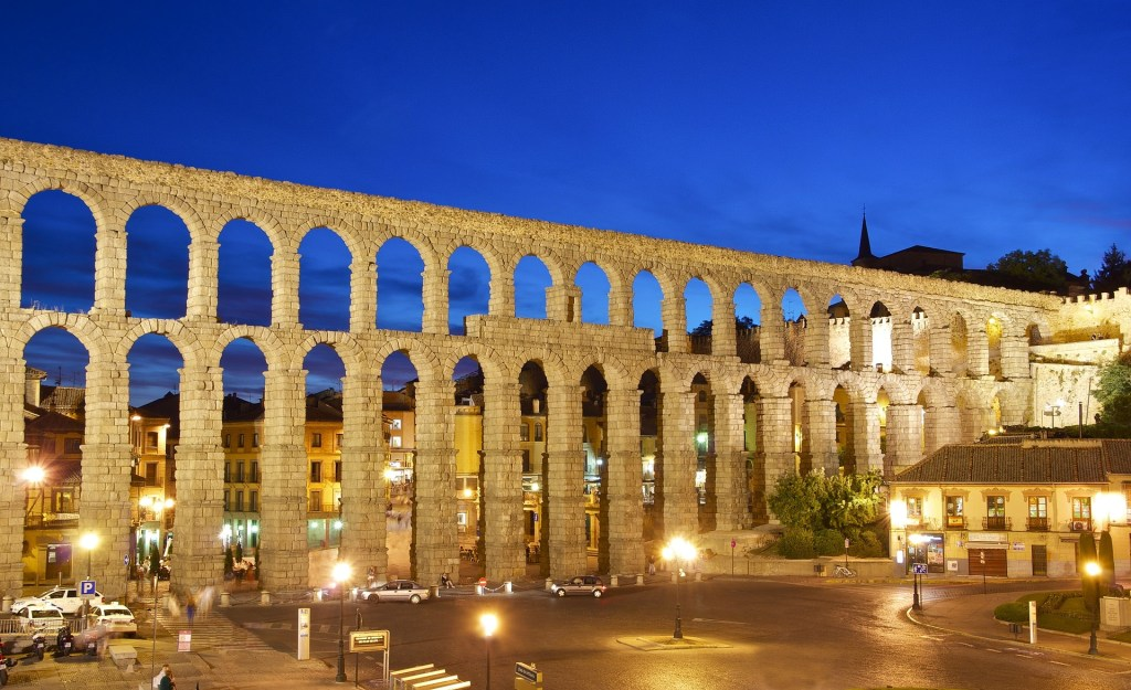 Go to Segovia and find a free tour