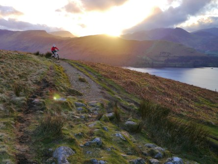 sunshine dipping behind catbells