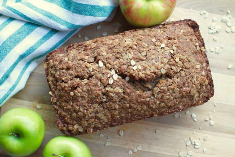Apple cinnamon streusel bread
