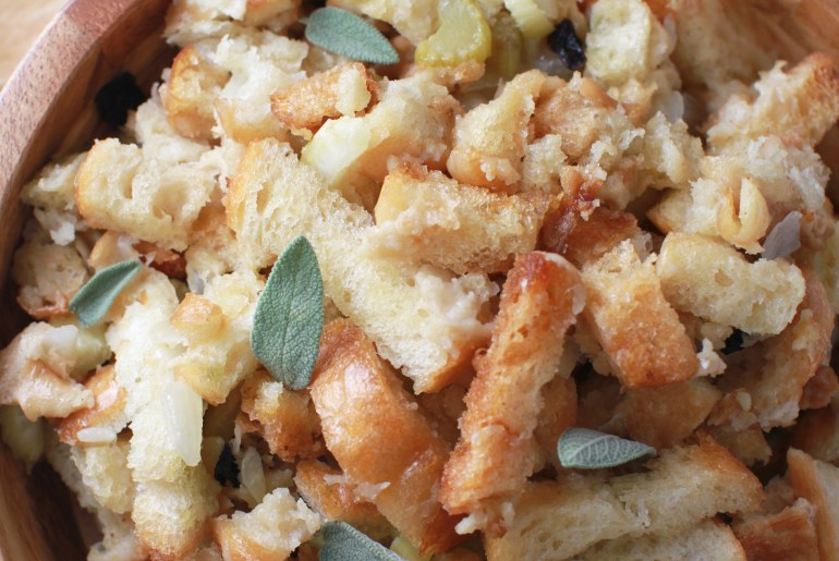 Crock pot stuffing saves time on Thanksgiving Day