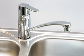 How to clean your stainless steel sink, while being green