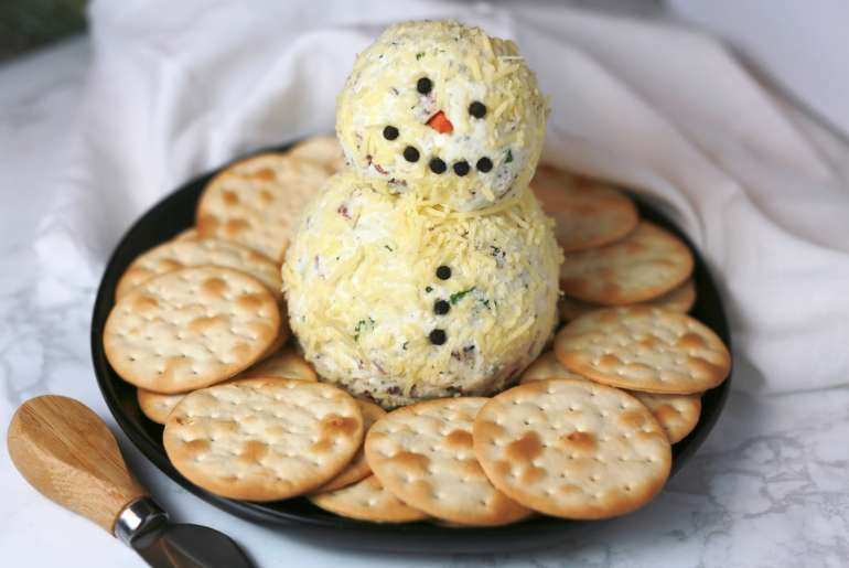 Loaded ranch snowman cheeseball_2