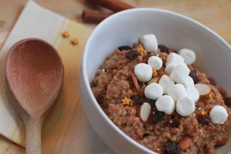 Overnight gingerbread oatmeal recipe-3