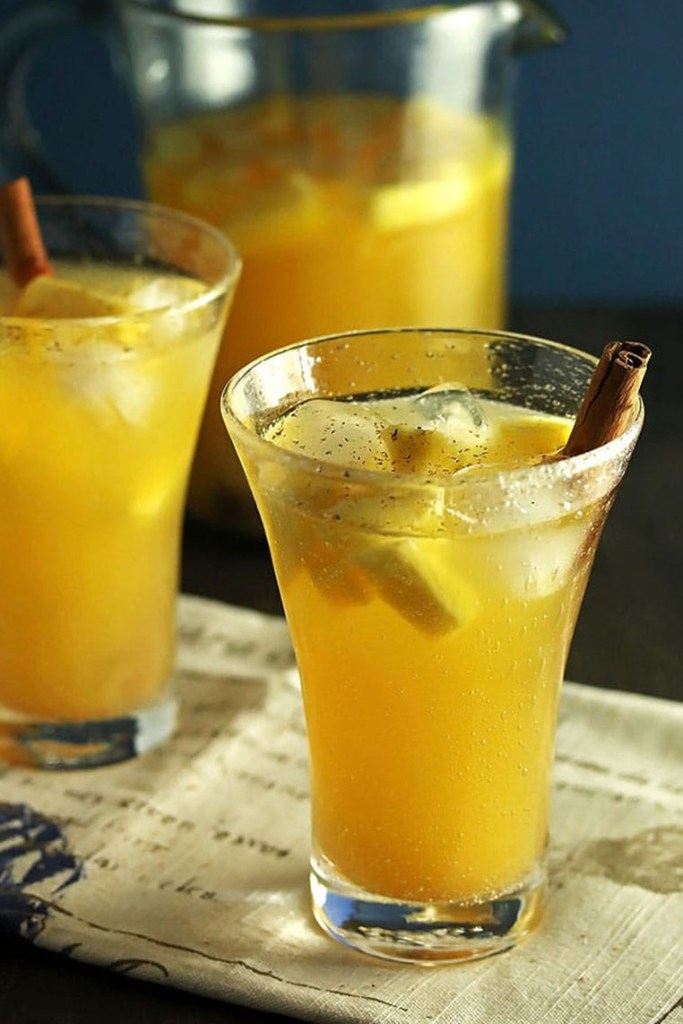 pineapple sangria