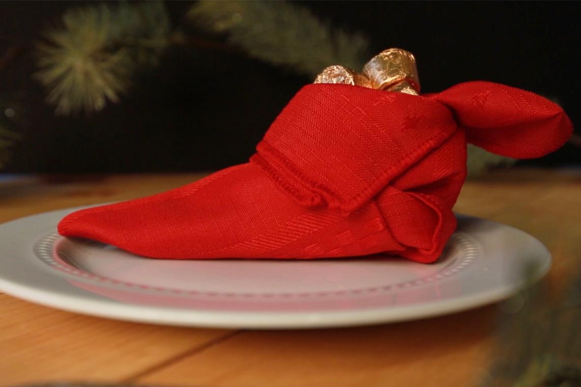 Napkin Folding Christmas.3 Fun Napkin Folding Ideas For Your Christmas Table