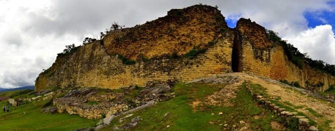 Why you should see the Kuelap ruins in Peru (Kuelap vs Machu Picchu)