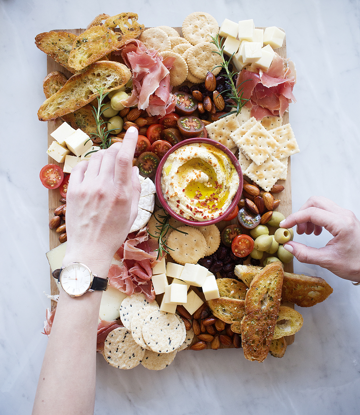 How To Make an Instagram-Worthy Cheese Board