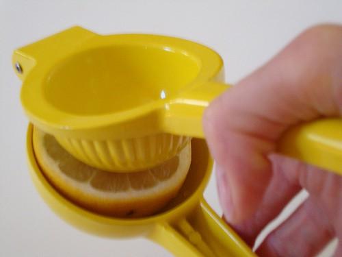 Handheld Citrus Juicer CravingSomethingHealthy