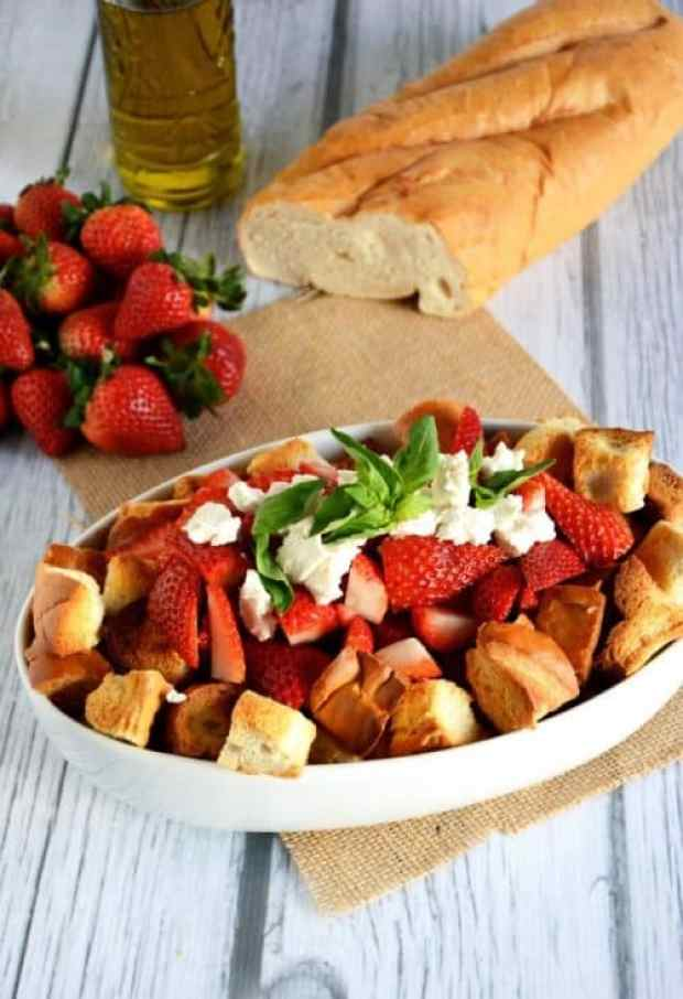 Honey & Strawberry Panzanella Salad|The Housewife in Training Files