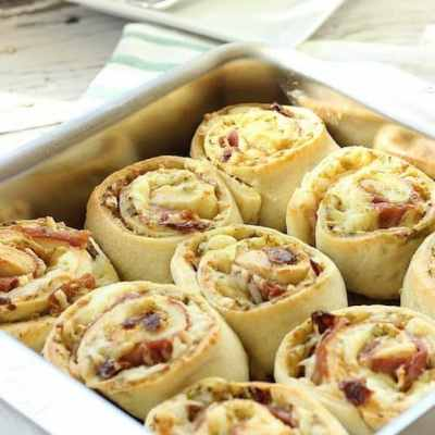 Prosciutto and Cheese Breakfast Pinwheel Rolls