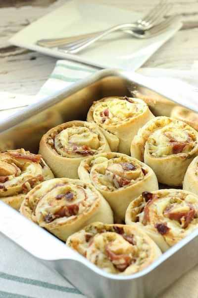 Prosciutto and Cheese Breakfast Pinwheel Rolls