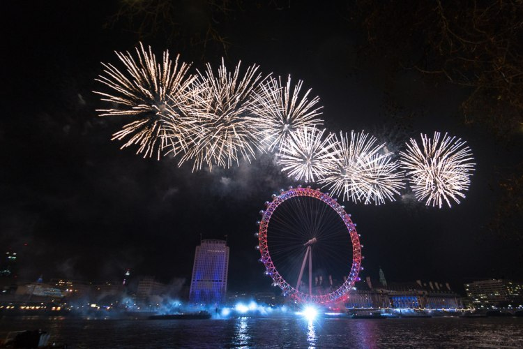 london's new year fireworks